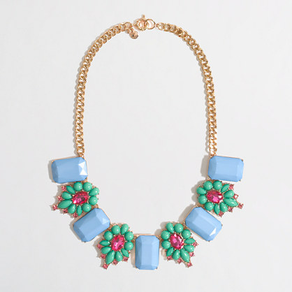 Factory stone and dotted flower necklace