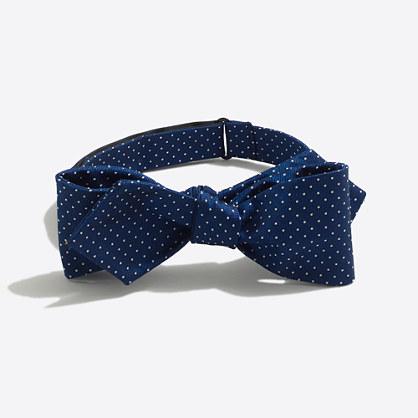 Silk dot bow tie