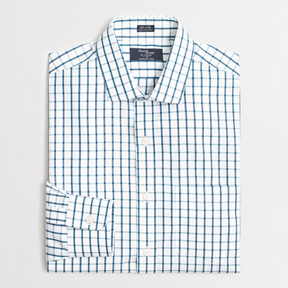 Wrinkle-free Voyager dress shirt in medium gingham