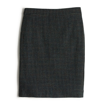 Pencil skirt in houndstooth
