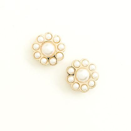 Factory pearl flower stud earrings