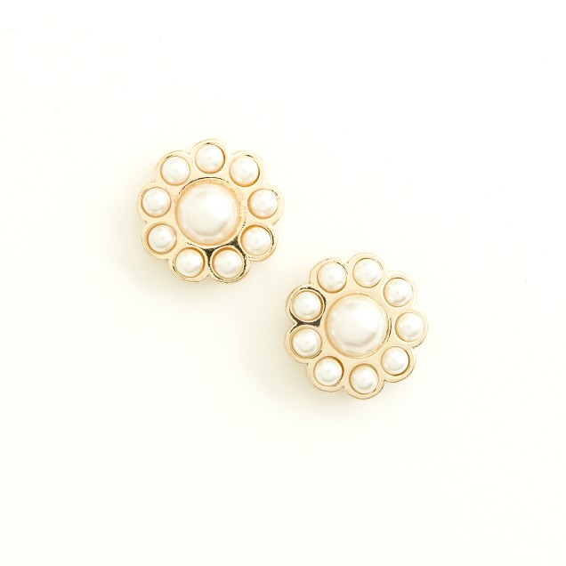Factory pearl flower stud earrings