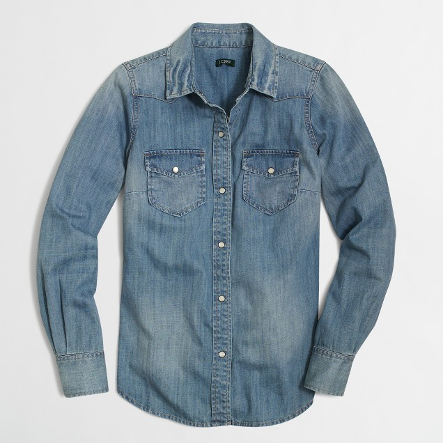 Two-pocket denim shirt