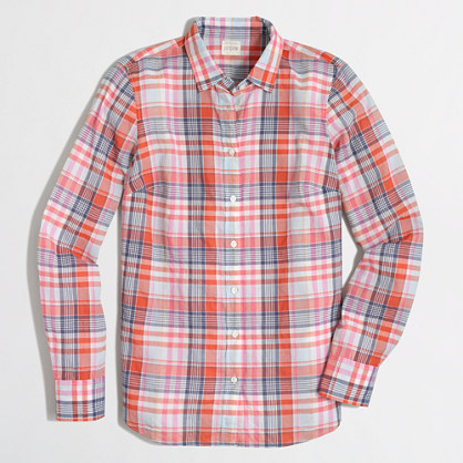 Classic button-down shirt in suckered plaid