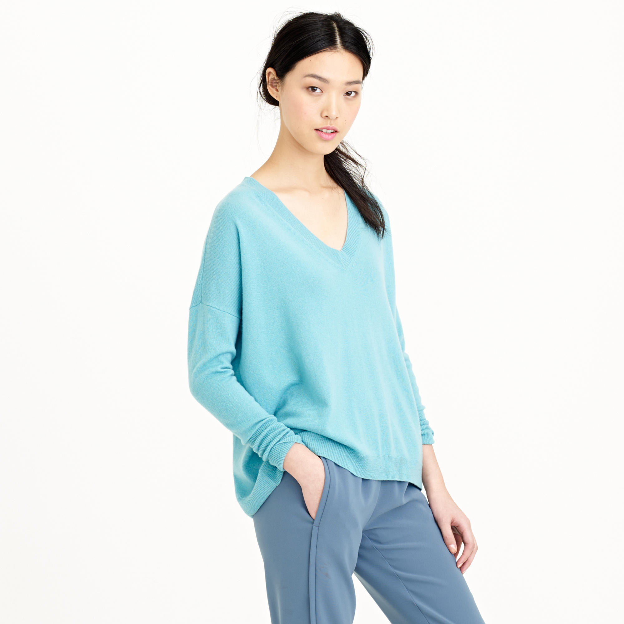 Italian cashmere boyfriend V-neck sweater : Women cashmere | Factory