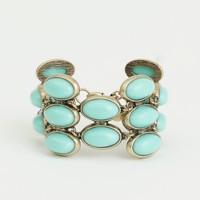 Factory oval stone cuff