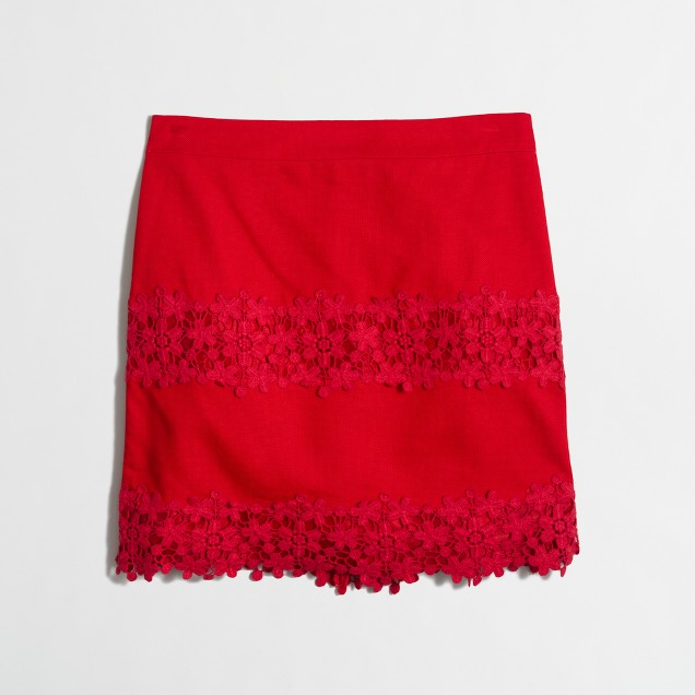 Cotton lace mini skirt in scalloped floral