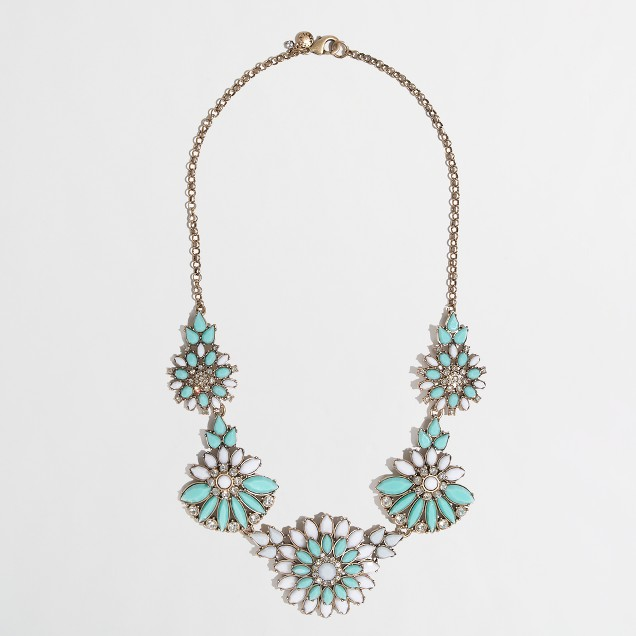 Factory blooming petal necklace