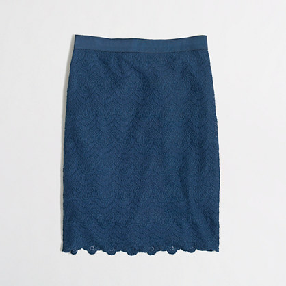 Factory pencil skirt in scalloped lace