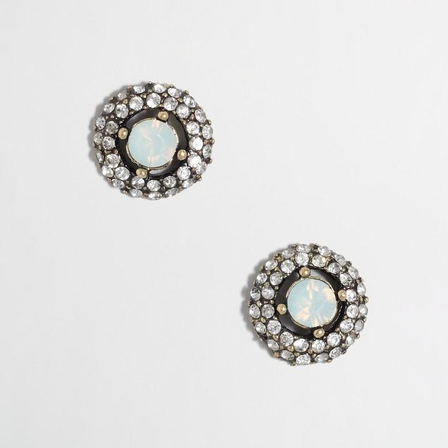 Factory stone center stud earrings