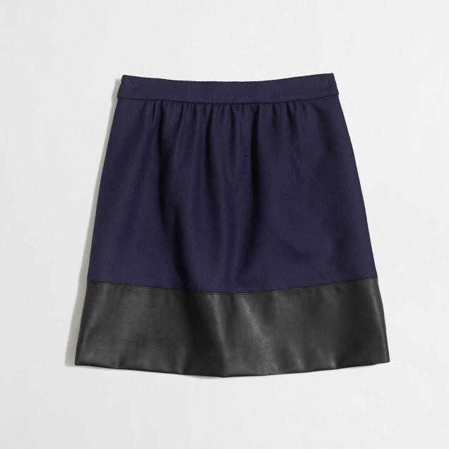 Factory leather-trim skirt