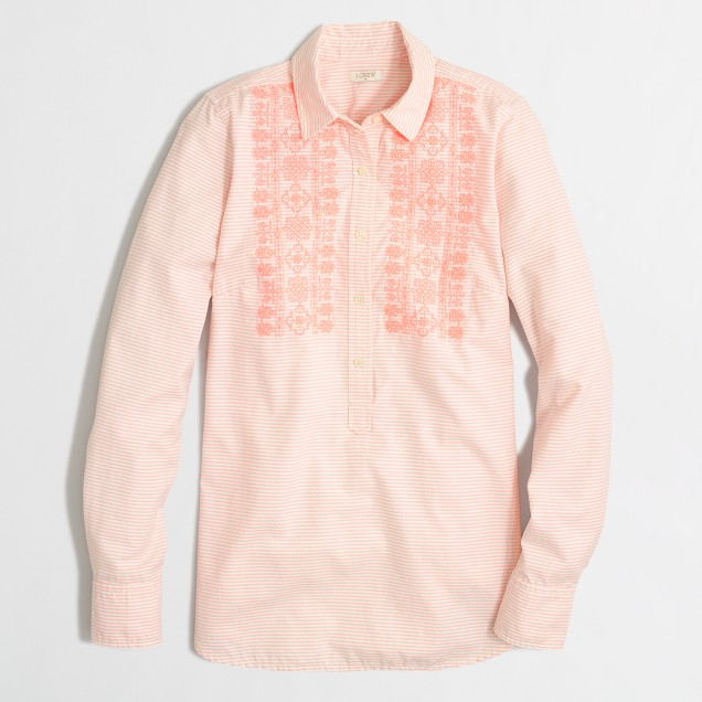 Factory embroidered oxford popover