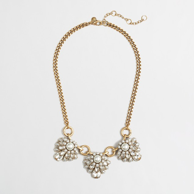 Factory pearl clusters necklace