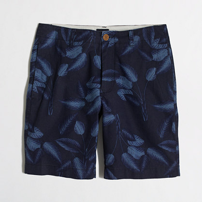 Linen-cotton beach short in tropical leaves