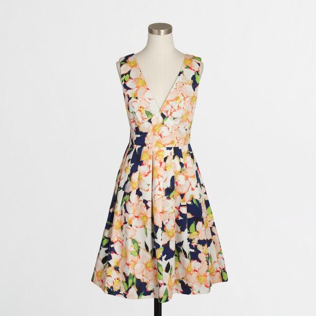 Sateen V-neck dress in floral
