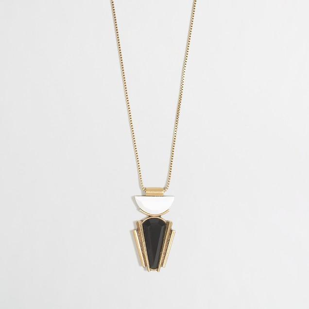 Half-circle pendant necklace