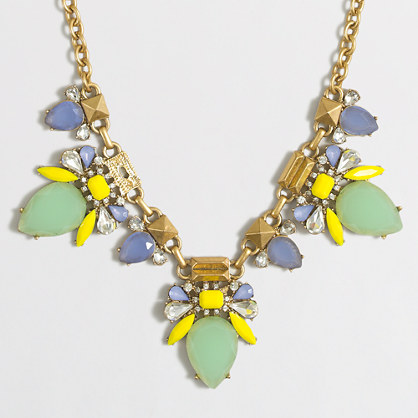 Centerpiece clusters necklace