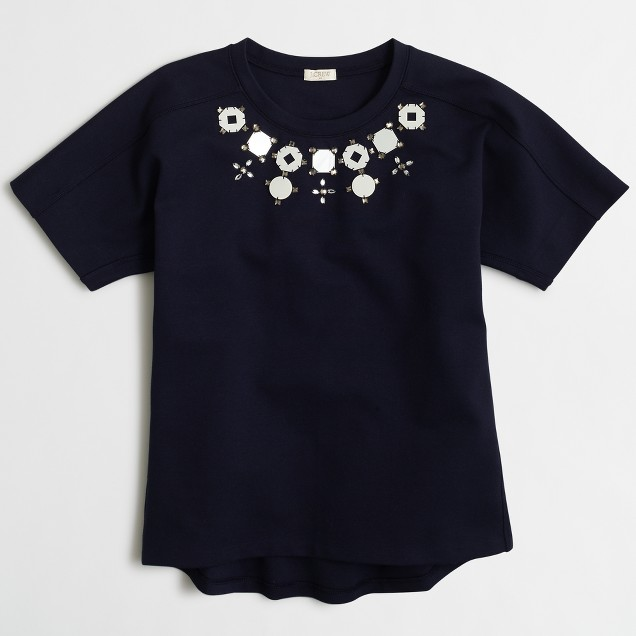 Structured necklace T-shirt in airy cotton