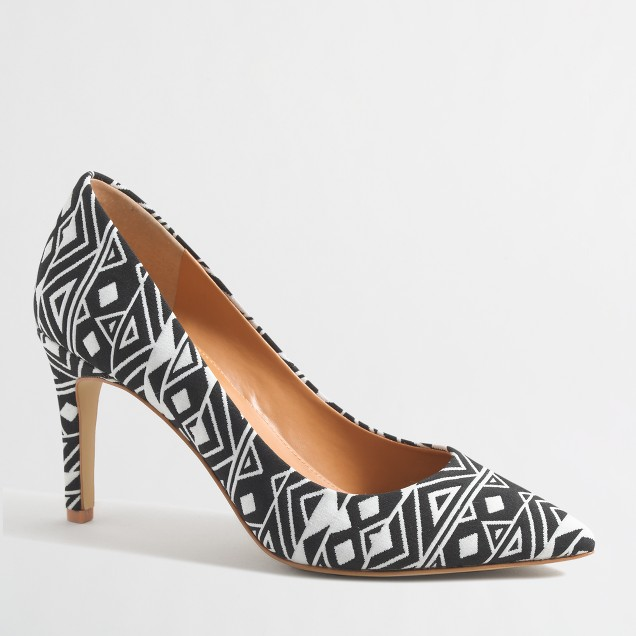 Isabelle triangle pumps