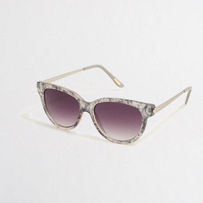 Rounded-bottom sunglasses