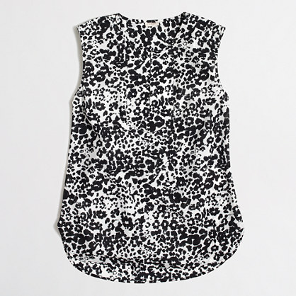 Printed drapey keyhole top