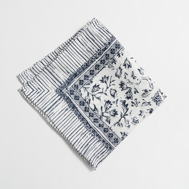 Linen patterned pocket square