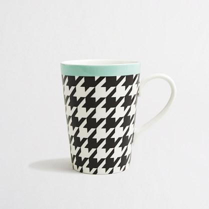 Ceramic drinking mugs