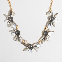 Feathered jewels necklace
