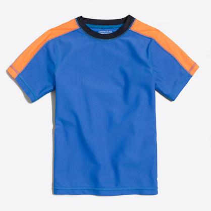 Boys' short-sleeve rash guard in varsity stripe