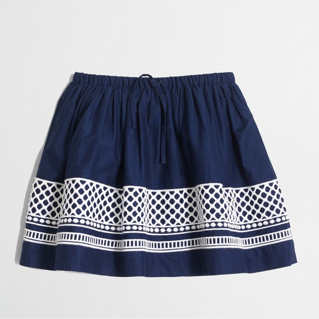 Girls' embroidered hem skirt