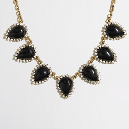 Crystal borders necklace