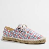 Lace-up espadrilles in geometric print