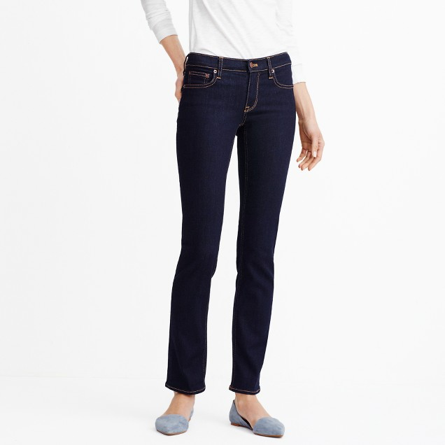"Rinse wash straight and narrow jean with 31"" inseam"
