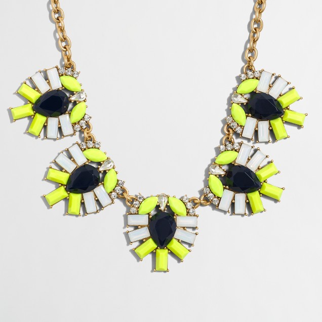 Jeweled clusters necklace