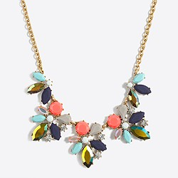 Asymmetrical clusters necklace