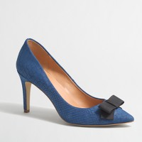 Isabelle embossed pumps with bow