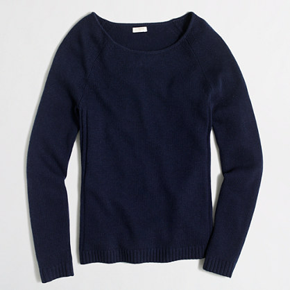 Raglan scoopneck sweater