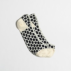 Factory patterned no-show socks