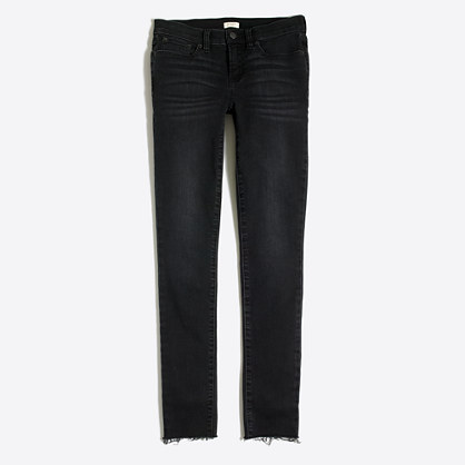 "Destructed black jean with 28"" inseam"