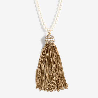Tassel and pearl pendant necklace