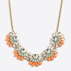 Flower fan necklace