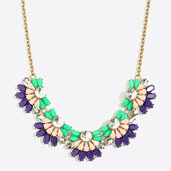 Flower fan necklace