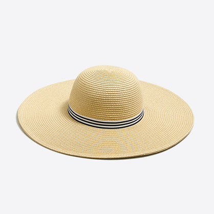 Classic straw hat with ribbon