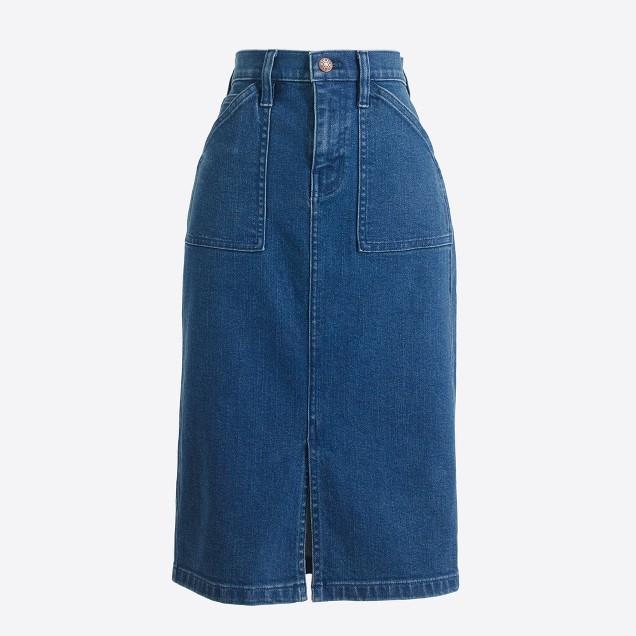 Front-slit skirt