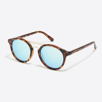 Round sunglasses with metal top bar