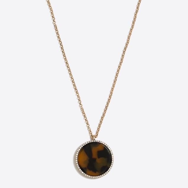 Tortoise disc pendant necklace
