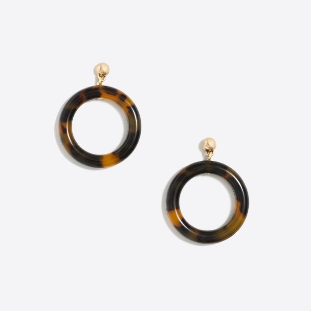 Tortoise circle dangle earrings