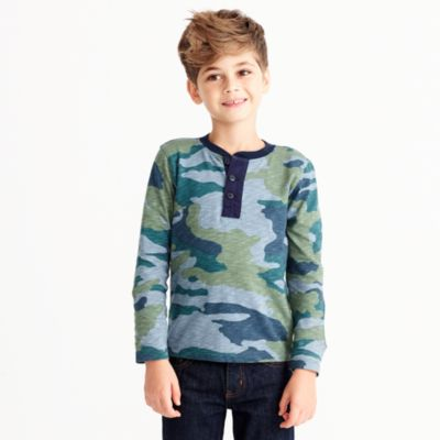 Boys' long-sleeve camo henley