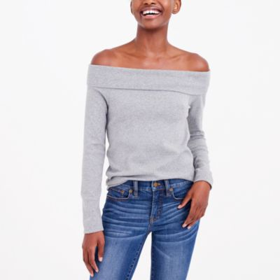 Long-sleeve off-the-shoulder T-shirt
