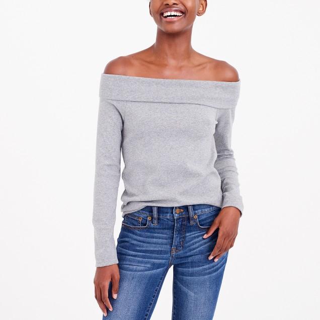 Long-sleeve off-the-shoulder T-shirt